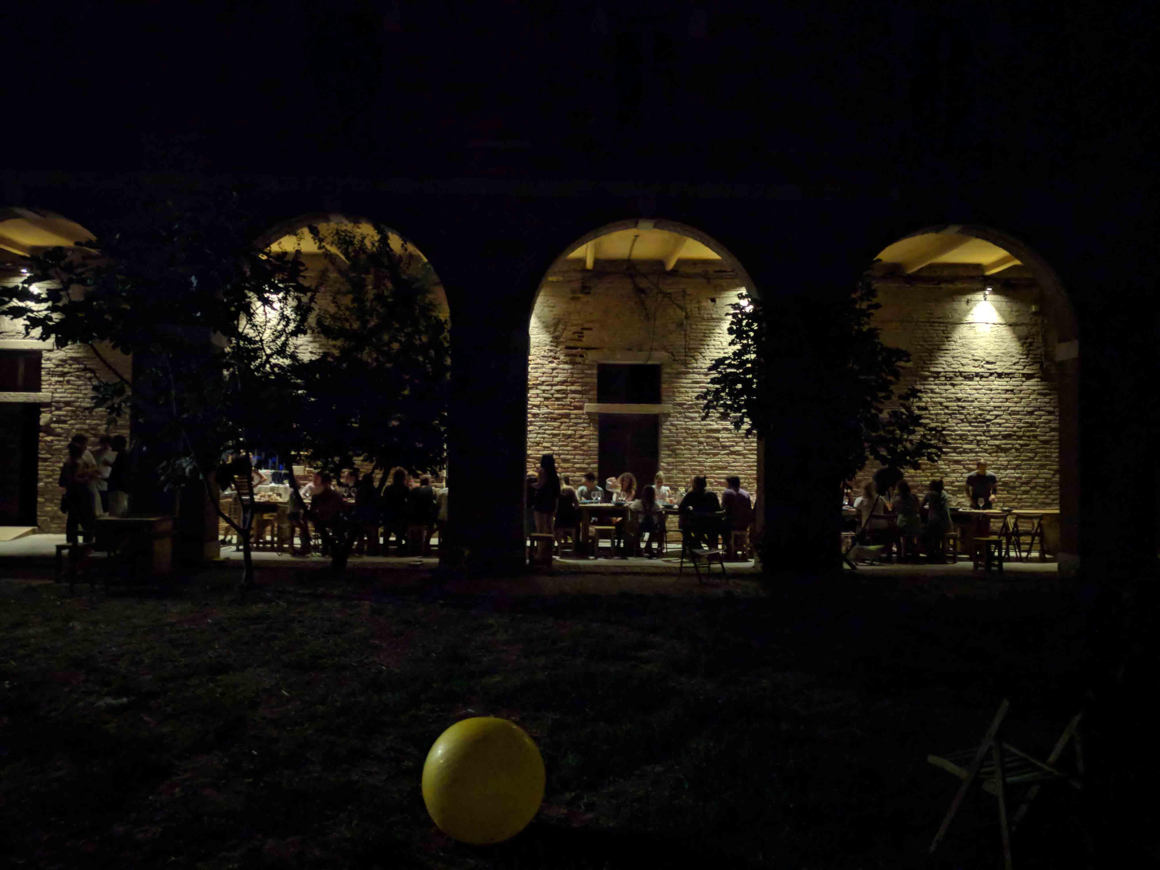 Sommerküche Italienische : Leichte sommerküche u gedünsteter lachs mit tomaten und oliven